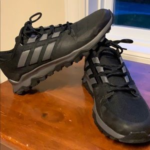 Men's Adidas Traxion size 10.5